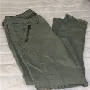 American Eagle army green jeggings